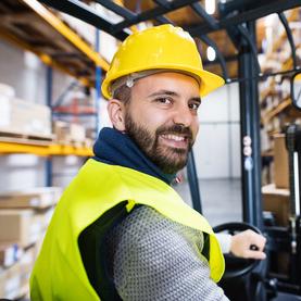 Staplerfahrer: Mitarbeiter ERHARD Services GmbH
